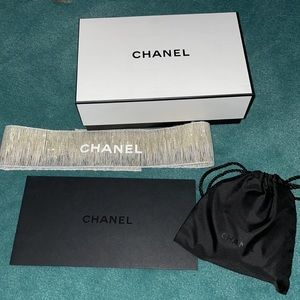 Chanel box, pouch with goodies